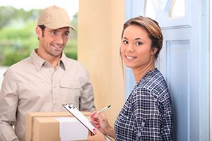 courier service in Misterton cheap courier